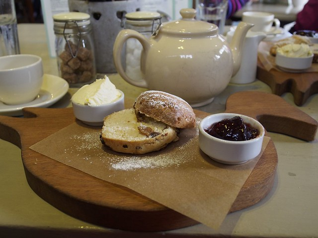 Dabbling Duck Tea Room, Cream Tea, Dabbling Duck Tea Room, Shere, Surrey, England, Travel