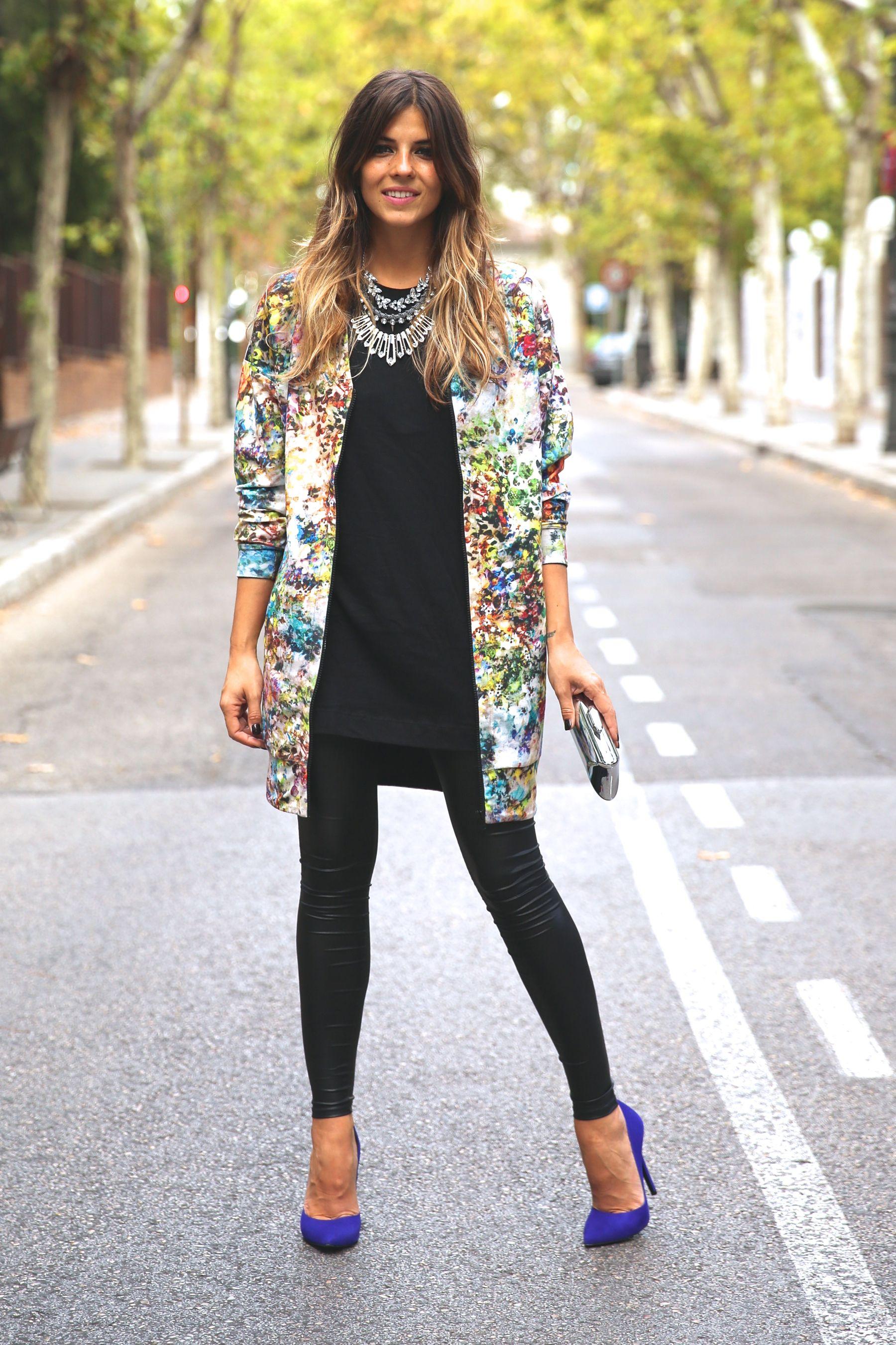 trendy_taste-look-outfit-street_style-ootd-blog-blogger-fashion_spain-moda_españa-leggings-bomber-cazadora-estampado_flores-flower_print-mas34-stiletto-estiletos-basic_tee-camiseta_basica-sport_chic-15