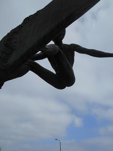 naked surfer statue (4)