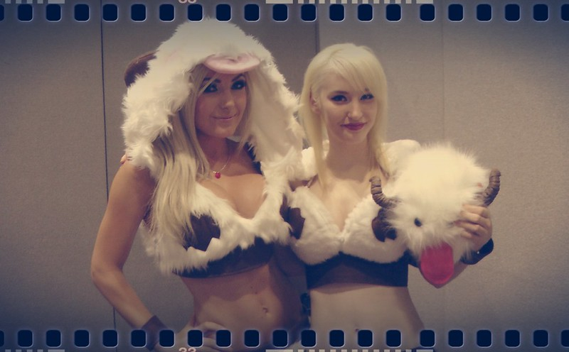 Jessica Nigri and Kelly Jean as Poro