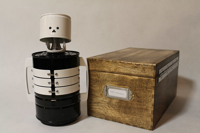 Robot Skeleton and Box