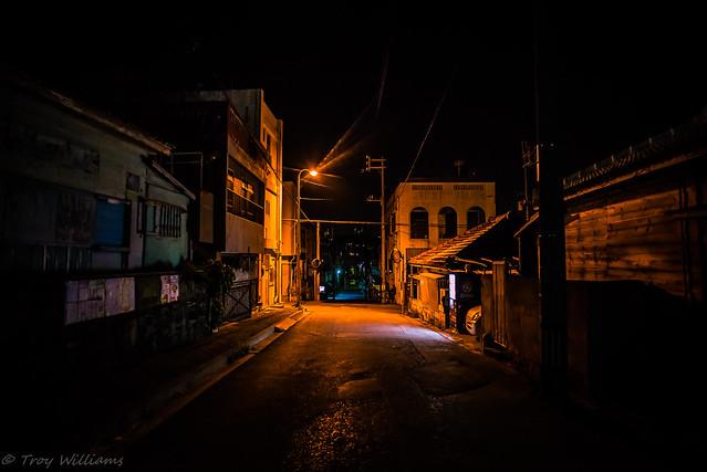 D610 night street 20mm