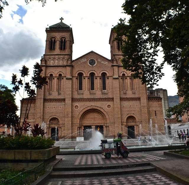 catedral metropolitana medellin, colombia