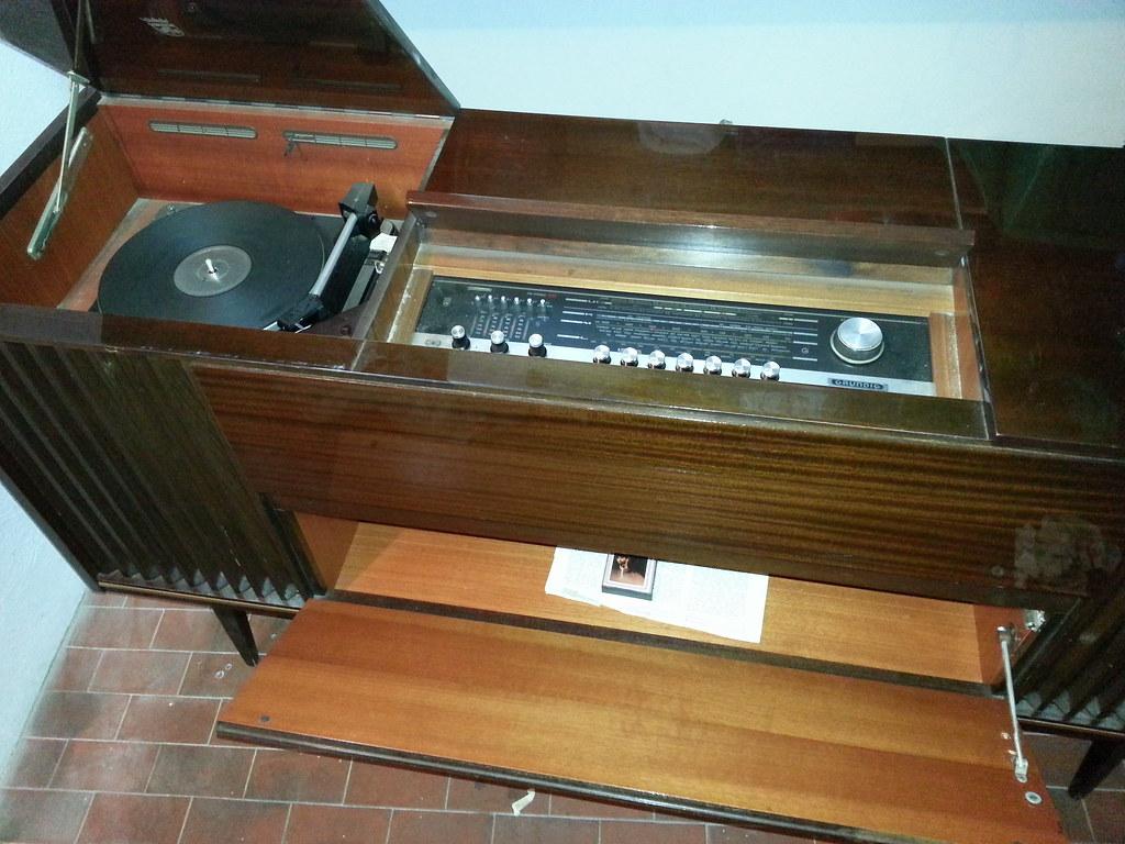 Schemi Elettrici Radio D Epoca : Radio grundig konzertschrank rossini dual