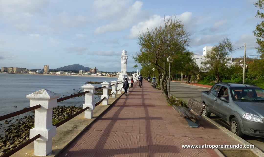Andando desde el puerto hasta el centro de Piriapolis