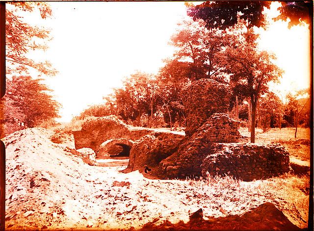 Excavaciones en el circo romano de Toledo a comienzos del siglo XX. Fotografía de Pedro Román Martínez © Fondo Rodríguez de la JCCM, Archivo Histórico Provincial de Toledo. Signatura R-129-2-12