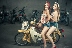 Mary & Sarah (Pin-Up w/scooter) LR-6234