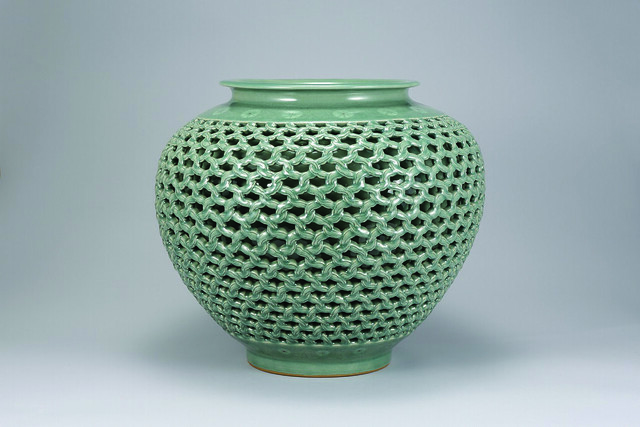 Ceramics Masters Of Korea Revive 5 000 Year Old Tradition