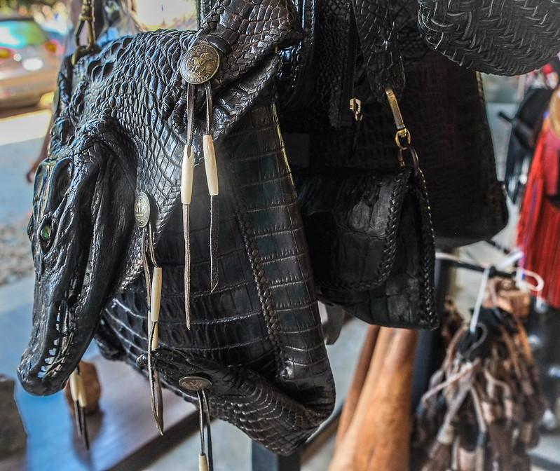 Baan Daum/ Black House Gift Shop