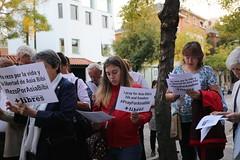23.10.2014 Vigilia de oración por Asia Bibi ante la Embajada de Pakistán en Madrid