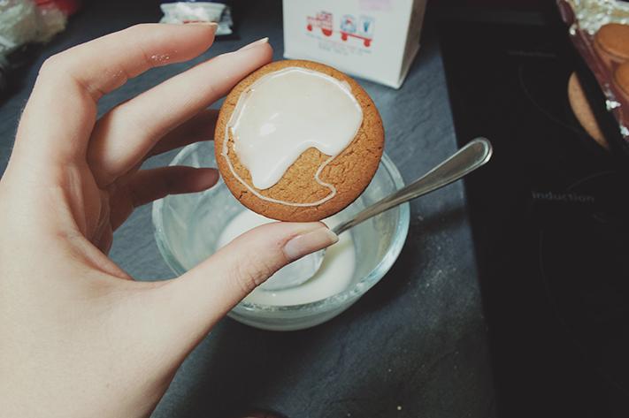 ginger_bicuits_baking