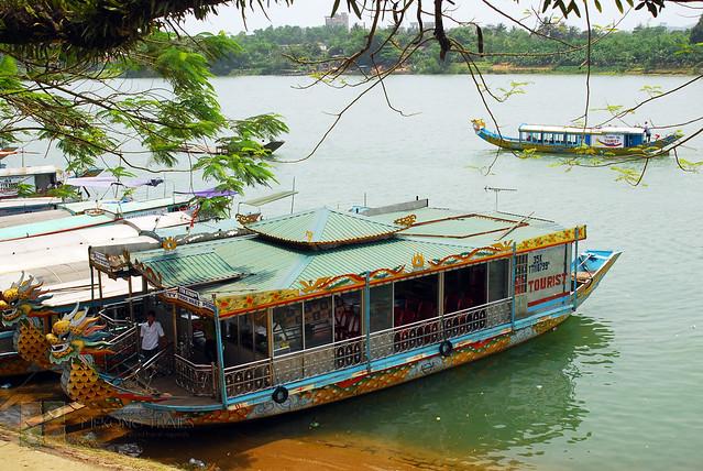 hue-boat-tours-vietnam