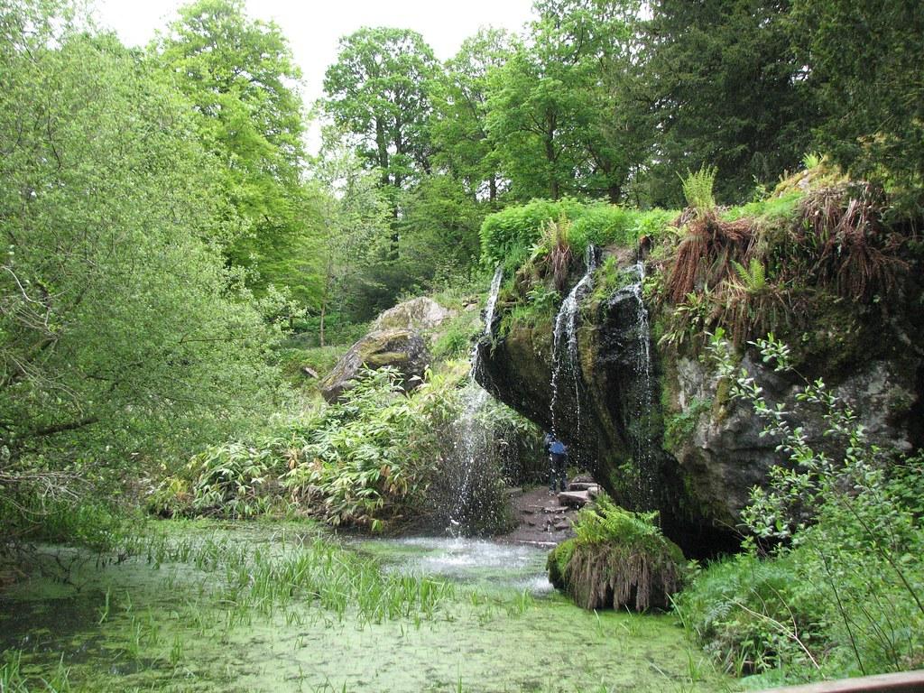 Ein heißer Tipp für Gartenfans: Blarney Castle liegt in einem wunderschönen Park. Take it easy and let if flow! :)