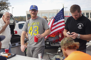 Blue Hen Veterans celebrate Homecoming at Vets tailgate