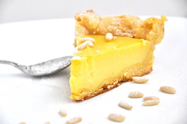 Crostata con Crema al Limone e Pinoli