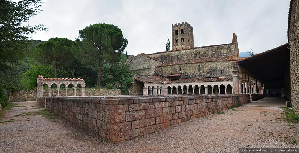 26 Abbaye de Saint-Michel de Cuxa