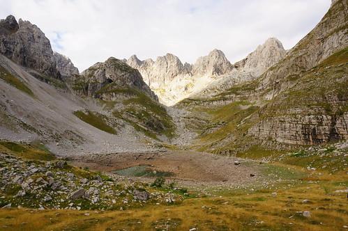 mountain lake peak valley albania dolina jezero vrh albanija planina prokletije valleyofthelakes majajezerce mtprokletije dolinajezera