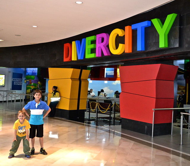 entrance of divercity guatemala