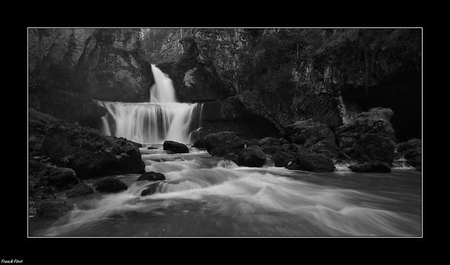 Cascade de la Billaude - Variation Noir et Blanc