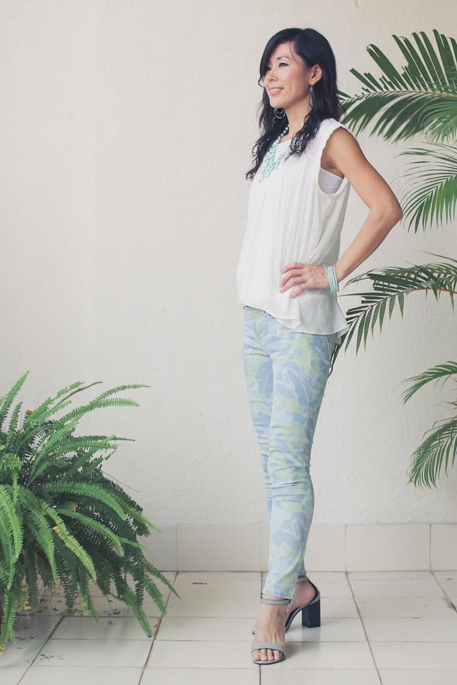 Gap flower print pants Zara shirt Forever 21 necklace_-3