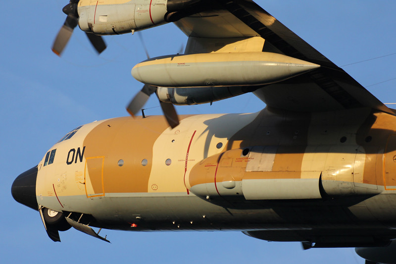 FRA: Photos d'avions de transport - Page 20 15504230980_13644517cd_b