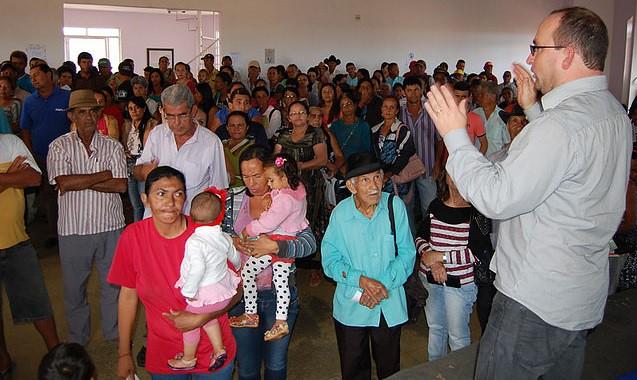 Jânio Quadros: Prefeitura entrega 991 óculos gratuitamente