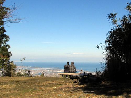 sea people jeff nature japan bench hiking observatory 日本 kansai ise mie isebay eastasia timershot 伊勢市 2013 三重県 伊勢湾 leizel mountasama 関西地方 朝熊山 201311 20131122