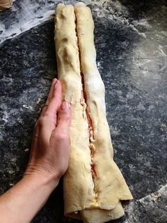 15524929698 798c845160 n Couronne au jambon cru et fromage de chèvre