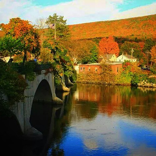 bridge autumn trees fall nature colors beautiful leaves river landscape massachusetts country scenic fallfoliage uploaded:by=instagram