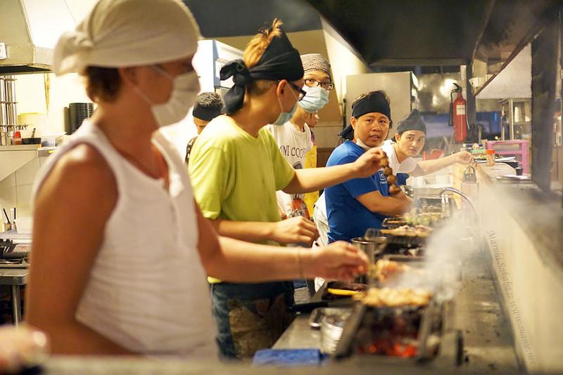Maruhi Sakaba, Taman Desa - grilling orders