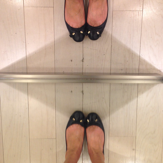 Ann Taylor Millie Cap Ator flats - runs true to size trying on size 7 in navy