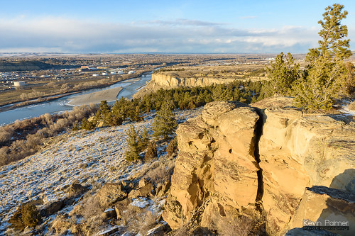 billings montana fourdancesrecreationarea blm winter february evening sunset sunny sunshine clouds blue sky cliffs yellowstoneriver water flowing nikond750 tamron2470mmf28 chemicalplant snow windy