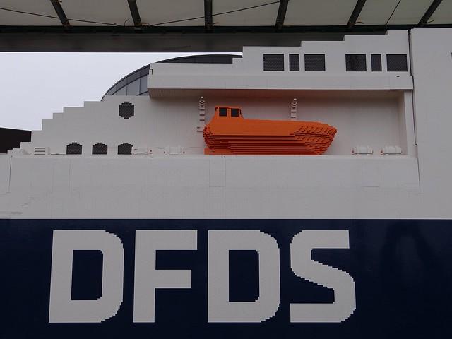 Największy statek z klocków Lego 5