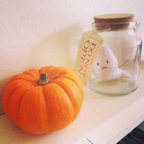 I bought a tiny pumpkin! Making a Halloween shelf now.