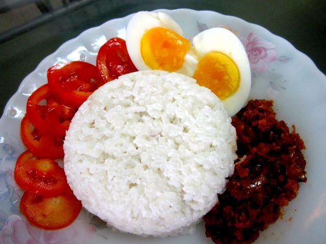 STP's nasi lemak kukus 1