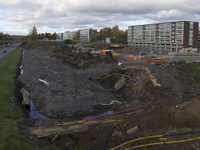 Hämeenlinnan moottoritiekate ja Goodman-kauppakeskus: Työmaatilanne 9.10.2011 - kuva 5