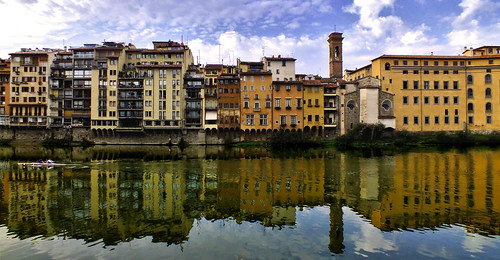 city italy reflection architecture reflections florence italian ancient cityscape fuji ponte tuscany finepix firenze fujifilm arno skiff cor vide vecchio hs20 italianlife meum markcoleman hs20exr mac010665yahoocouk videcormeumimages markandrewcoleman