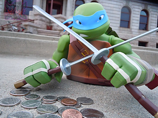 "DIAMOND SELECT TOYS :: Nickelodeon  TEENAGE MUTANT NINJA TURTLES;  ""LEONARDO"" Vinyl Bust Bank xvi  (( 2014 ))"