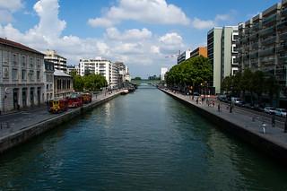 Vue sur le Bassin de la Villette depuis le Pont levant de la rue de Crimée