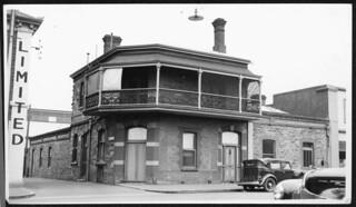 Golden Rule Hotel, Pirie Street, 1941