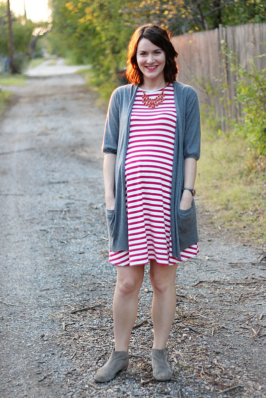 red-striped-dress-with-sweater-booties-3