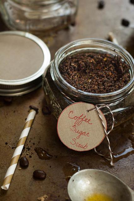 sugar scrub diy recipe.jpg