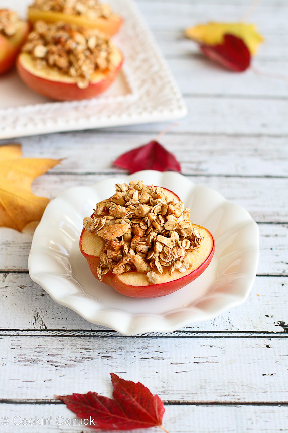 Light Maple Cashew Baked Apples...A fantastic autumn dessert or snack! 156 calories and 4 Weight Watcher PP | cookincanuck.com #recipe #vegetarian #vegan