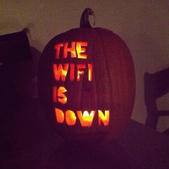 Sin duda, la calabaza de #Halloween m�s espantosa posible.. :grin::scream::speak_no_evil: