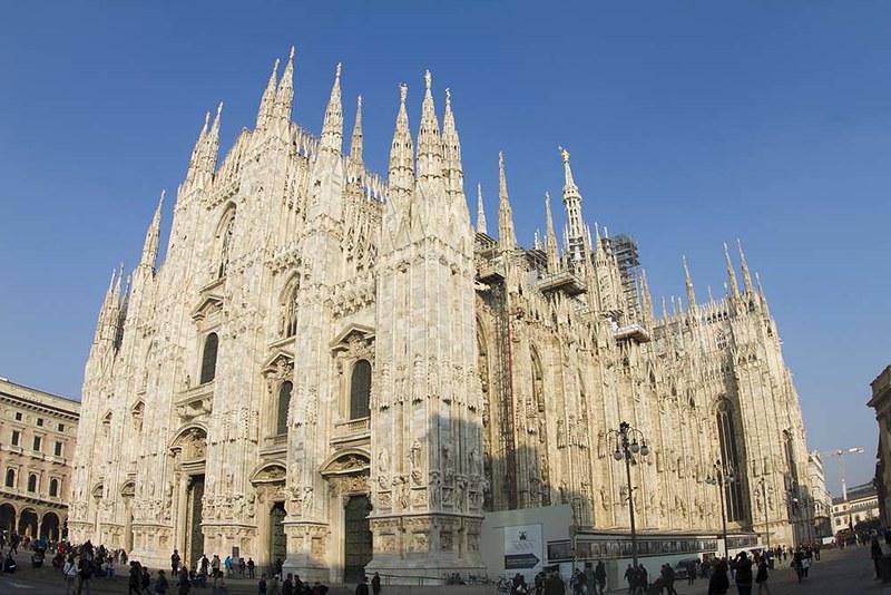 17 Enormity of Duomo Milano IMG_7036