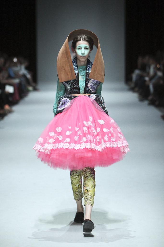 Christa van der Meer, photo: Ron Stam, model: Machteld Rullens