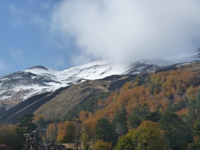 Luci e colori dell'autunno a Piano Provenzana di Linguaglossa sull'Etna (2.000 metri)