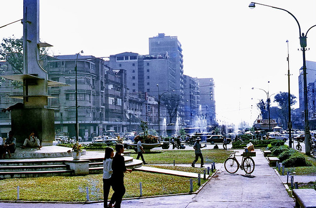 Downtown Saigon 1971 - Photo by Mike Vogt