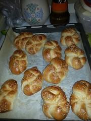 bread roll(0.0), dessert(0.0), baking(1.0), tsoureki(1.0), bread(1.0), baked goods(1.0), food(1.0), viennoiserie(1.0), dish(1.0), cuisine(1.0), brioche(1.0), danish pastry(1.0),