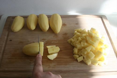 16 - Kartoffeln würfeln / Dice potatoes